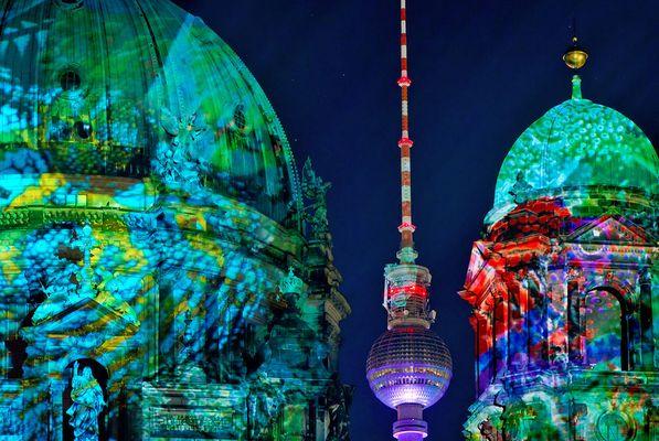 Berliner Dom feat. Fernsehturm, Festival Of Lights, 2011