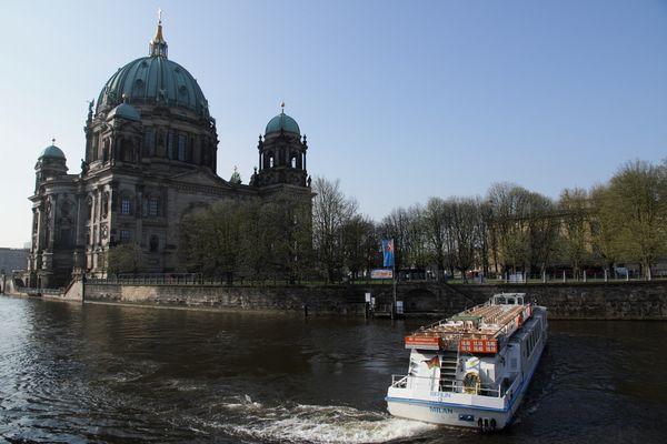 Berliner Dom von der Spreeseite