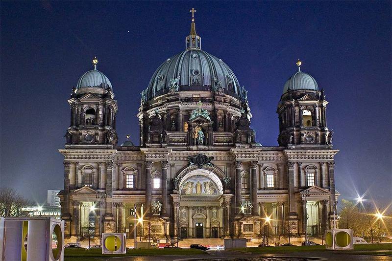 Berliner Dom vor dem Abbau des Kreuzes