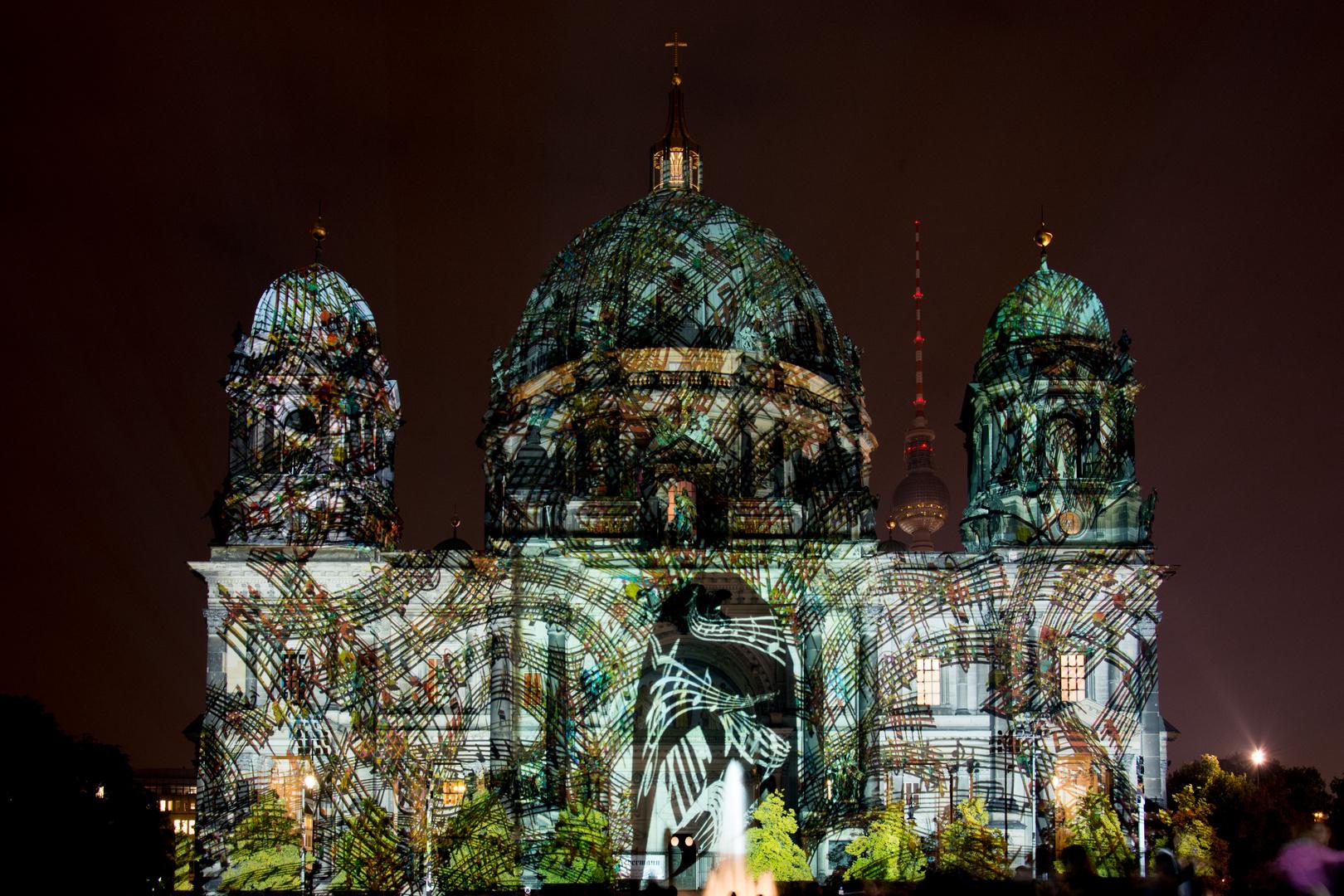 Berliner Dom während des Festival of Light 2013