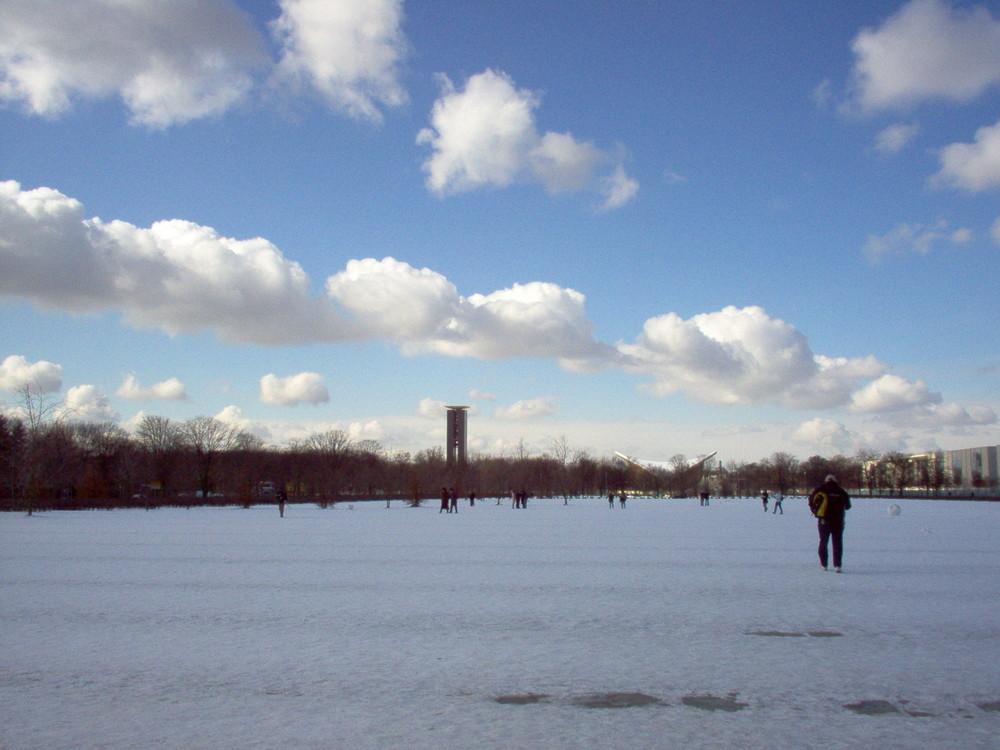 Berlino, passeggiata ghiacciata