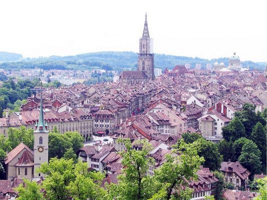 Bern vom Rosengarten aus gesehen.