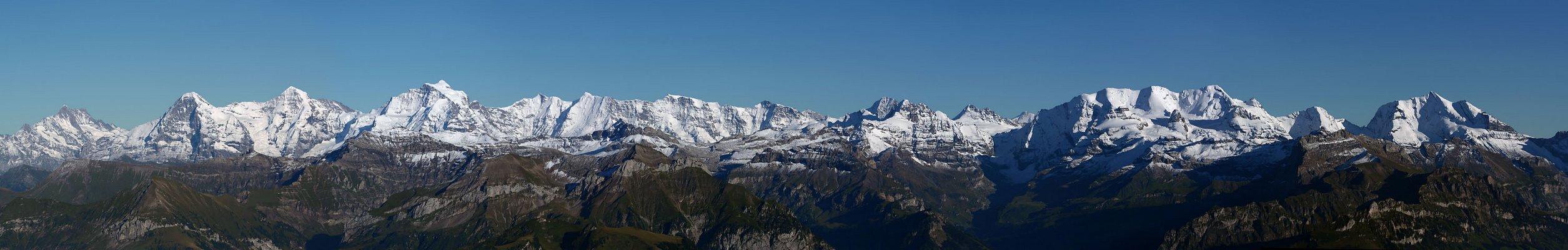 Berner Alpen vom Niesen aus