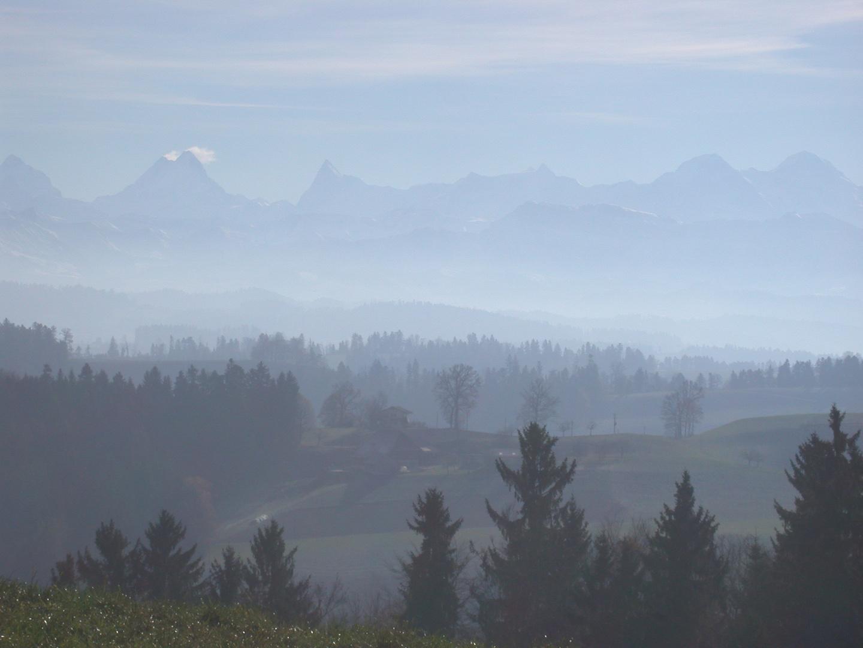 Berner Oberland vom Lueg aus gesehen