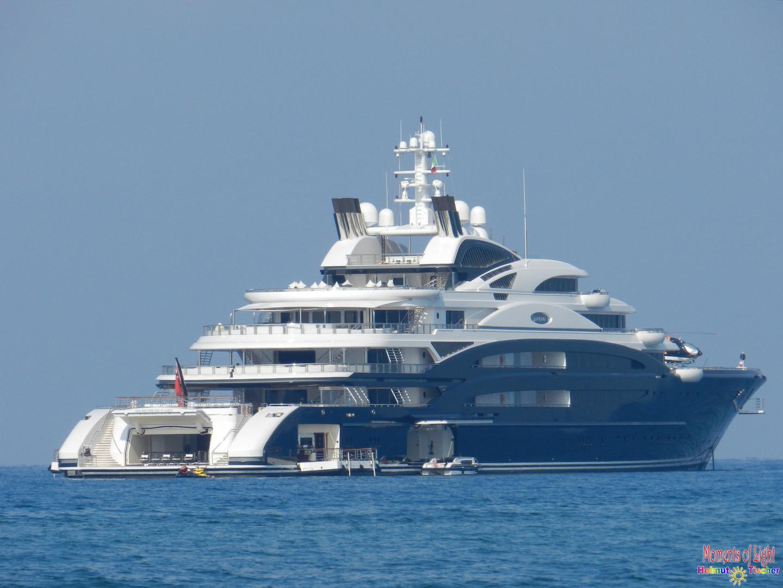 Bescheidene Yacht
