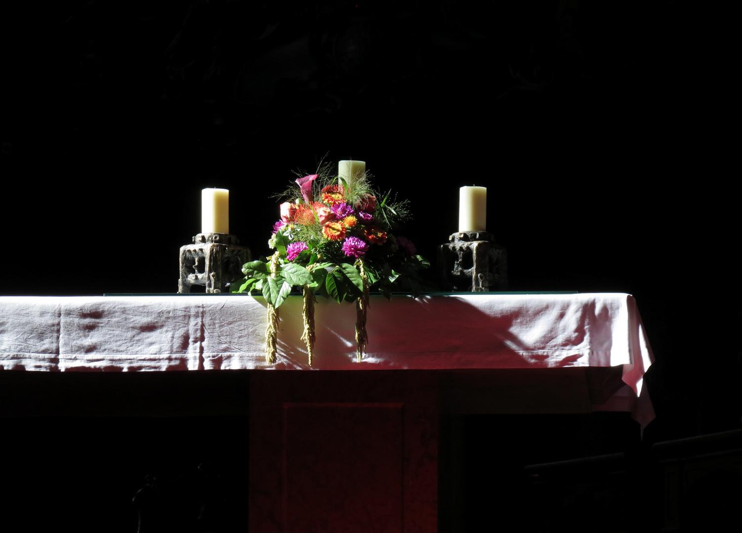 Besonnter Altar