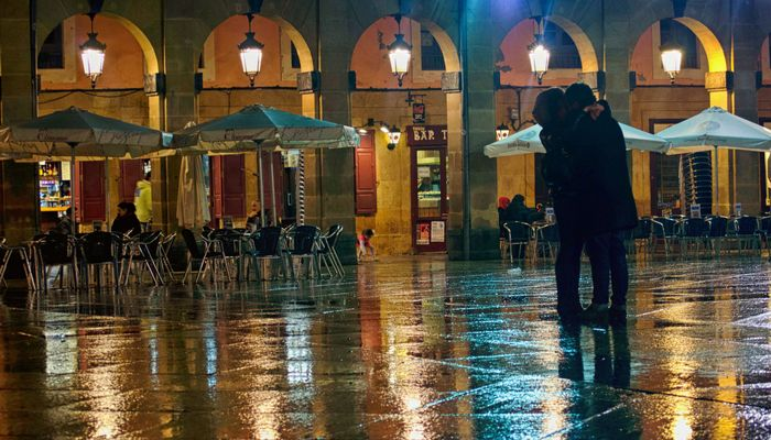 Besos bajo la lluvia