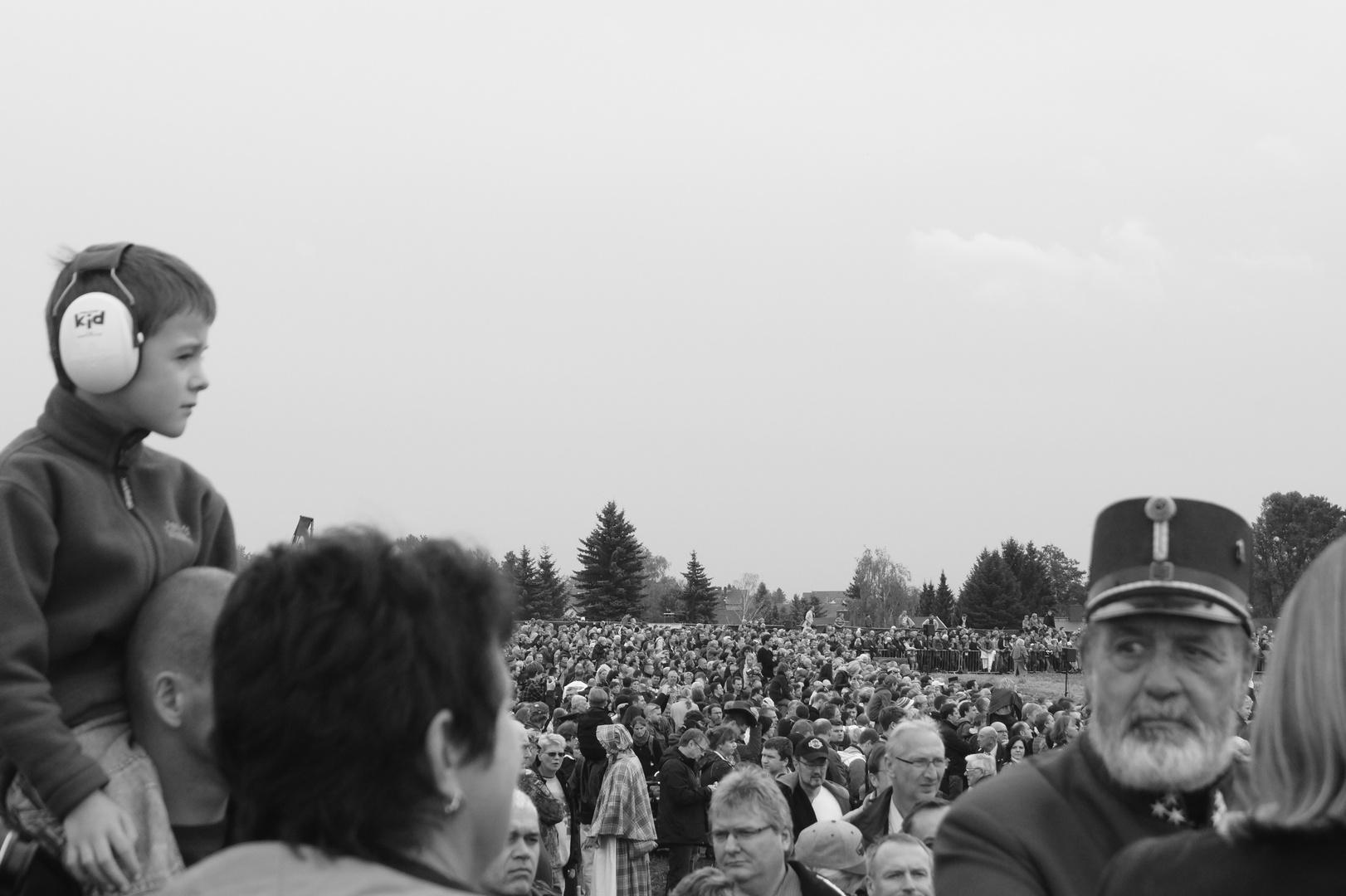 Besucher beim Gefechtskampf