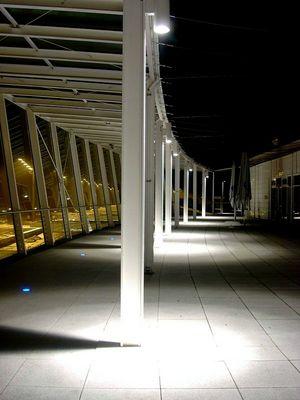 Besucherterrasse Flughafen FJS München bei Nacht