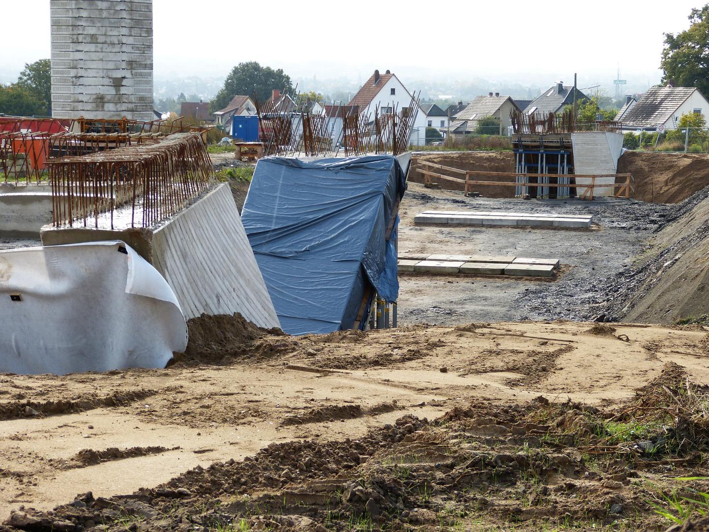 Betonstützen für 75 Meter Brückenbalken