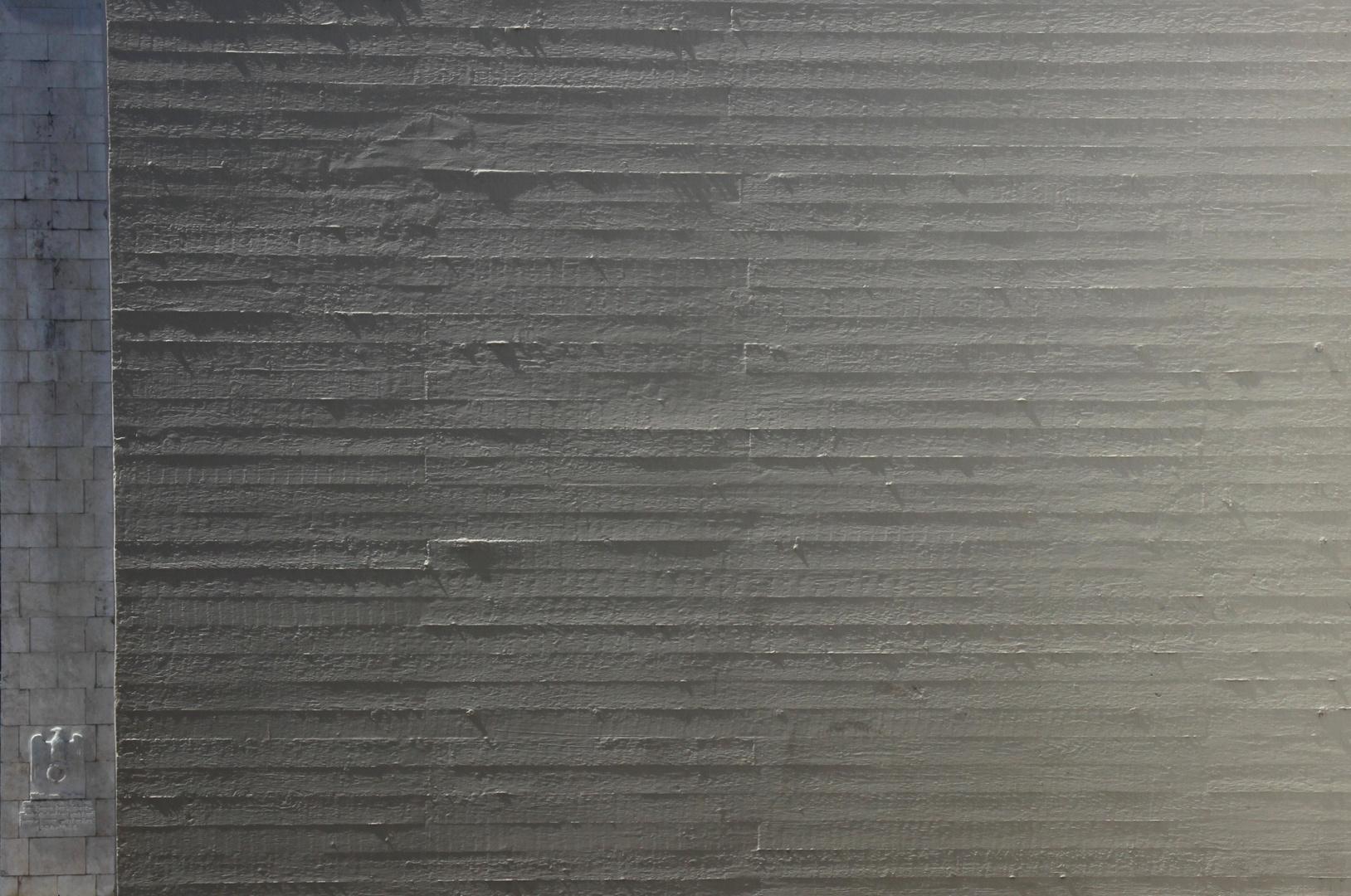 betonwand mit reichsadler foto bild abstraktes. Black Bedroom Furniture Sets. Home Design Ideas