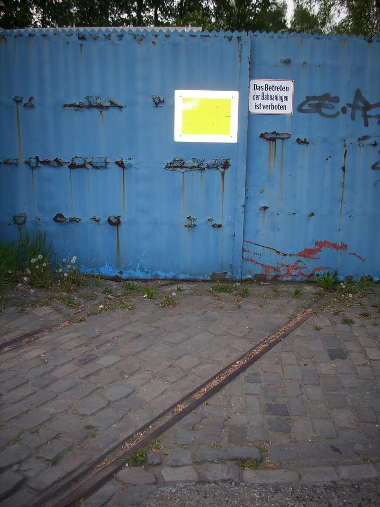 Betreten verboten! (alte Gleise u. ihre Wege)