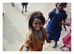 Bettelnde Kinder in Bodhgaya