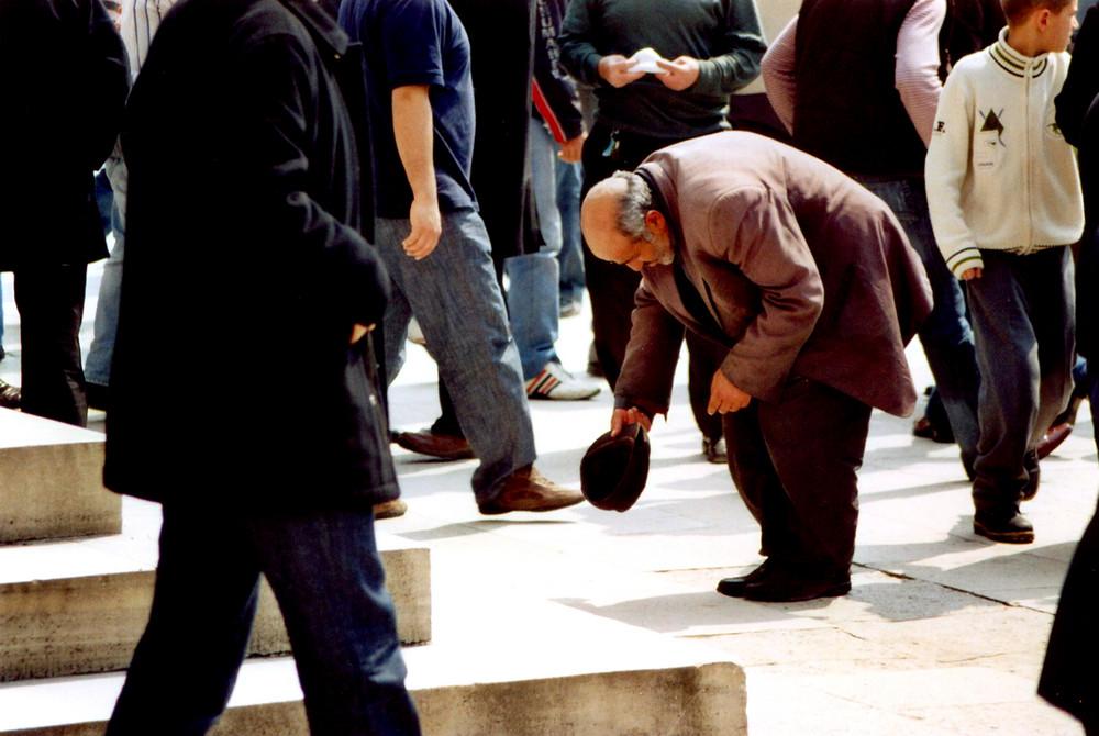 Bettler nach dem Freitagsgebet