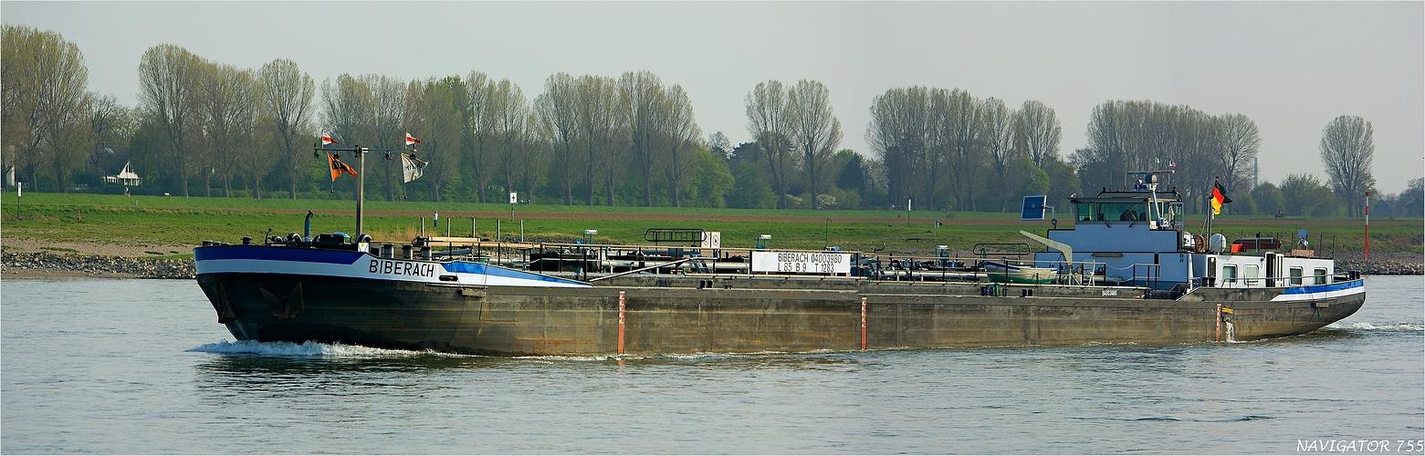 BIBERACH / Tanker / Rhein bei Düsseldorf-Kaiserswerth