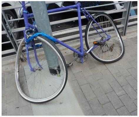 Bici .......Collassata....con catena a terra.....