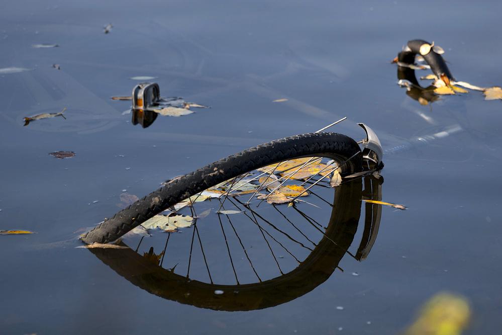 ...bici en el río!