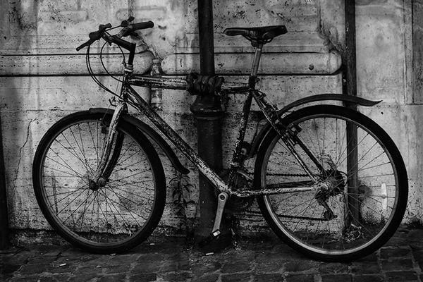 Bicycle on Via Del Corso #4, Rome