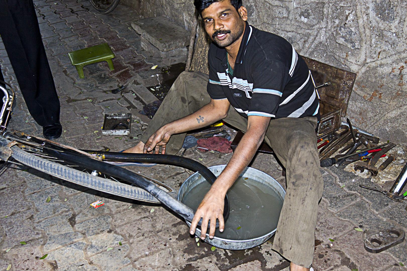 Bicycle Repair, Streets of Pune