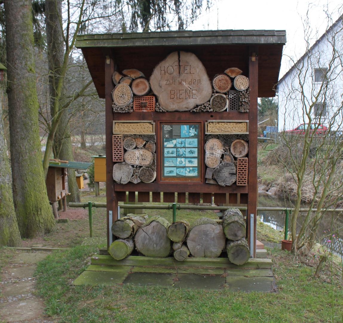 Bienen Hotel