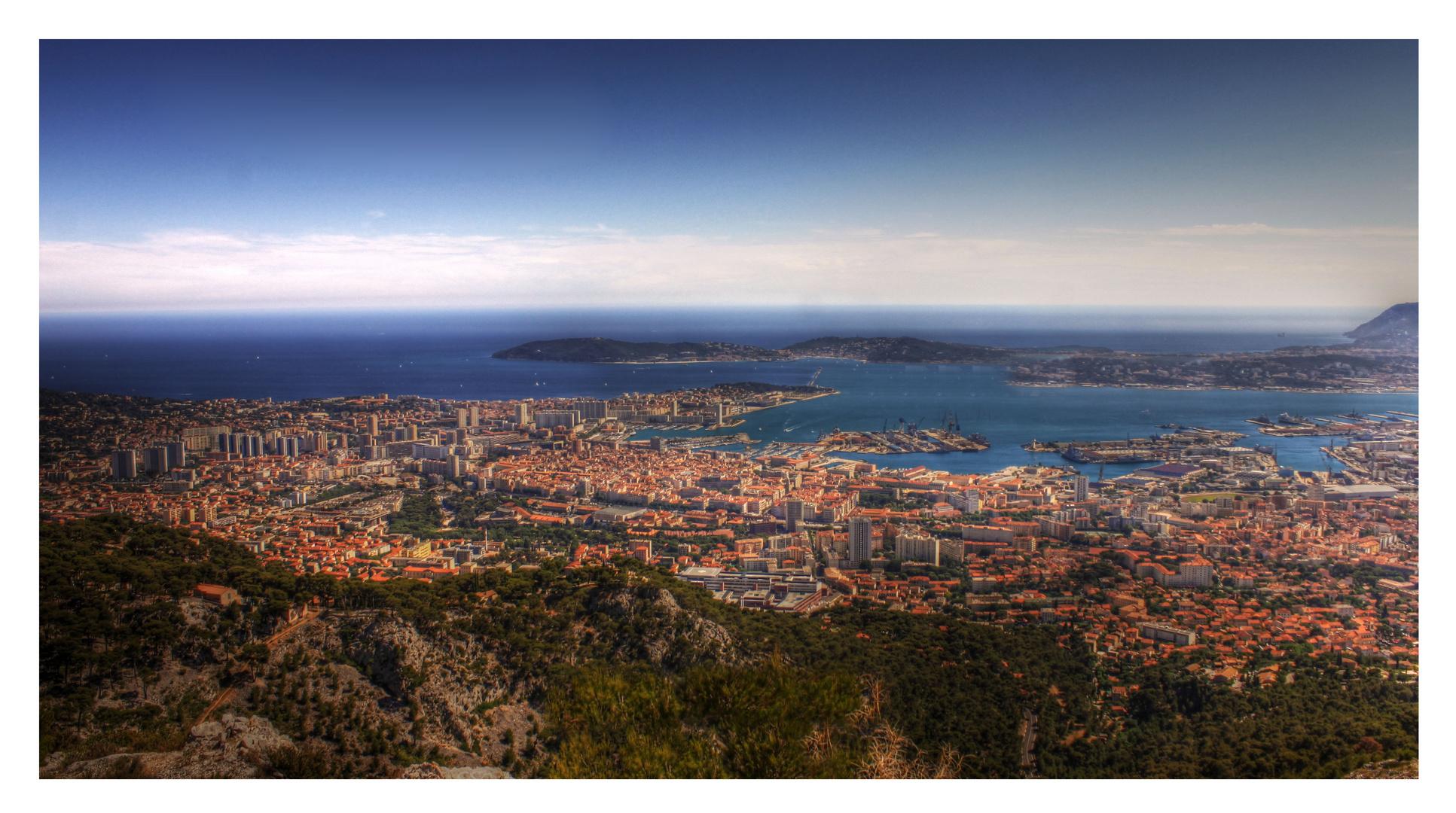 Bienvenue à Toulon, entre Mer et montagne