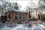 Biergarten im Schnee