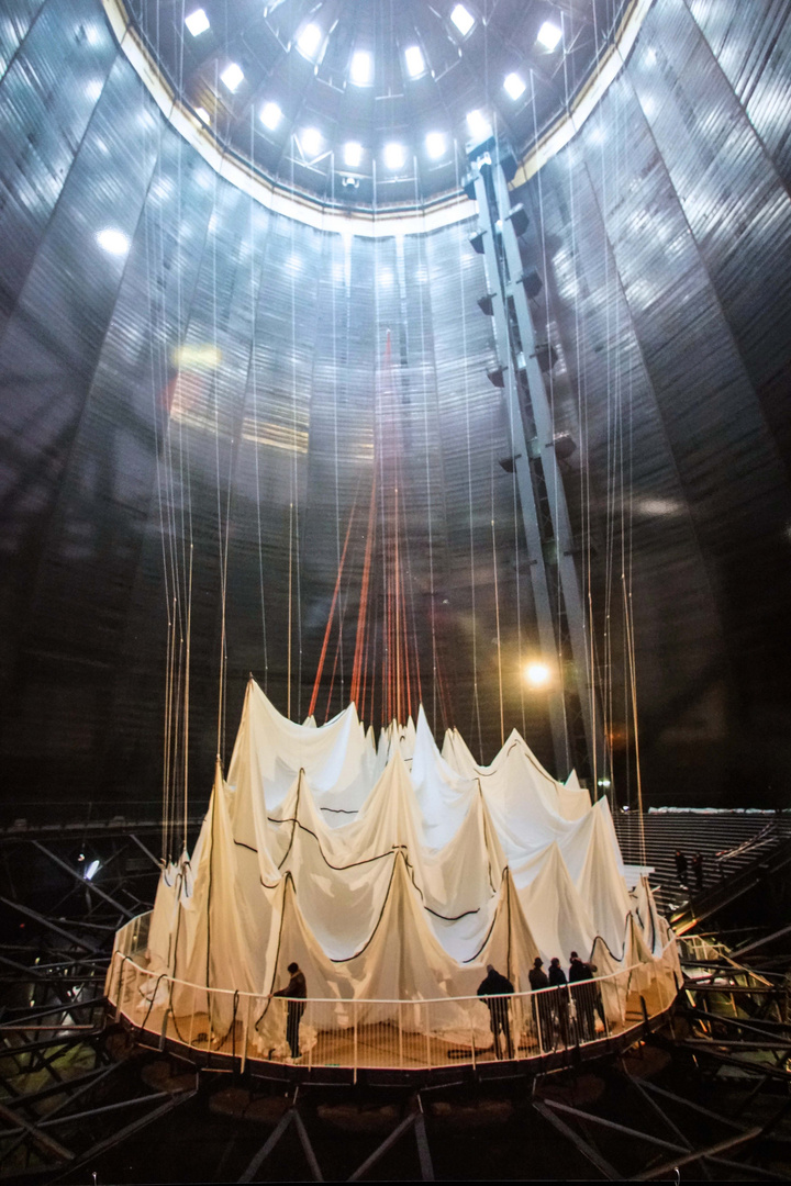 """""""Big Air Package"""" Christo Installation im Gasometer Oberhausen"""
