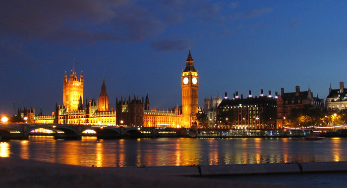 Big Ben and Parlament at night