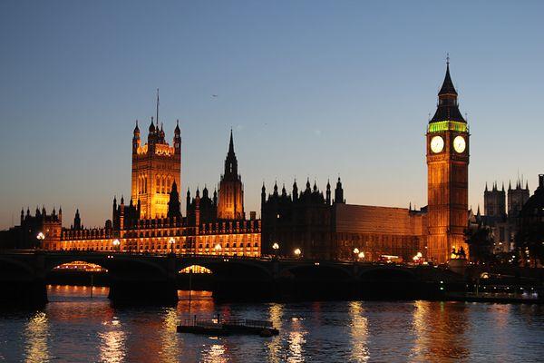 Big Ben und die Houses of Parlament bei Nacht
