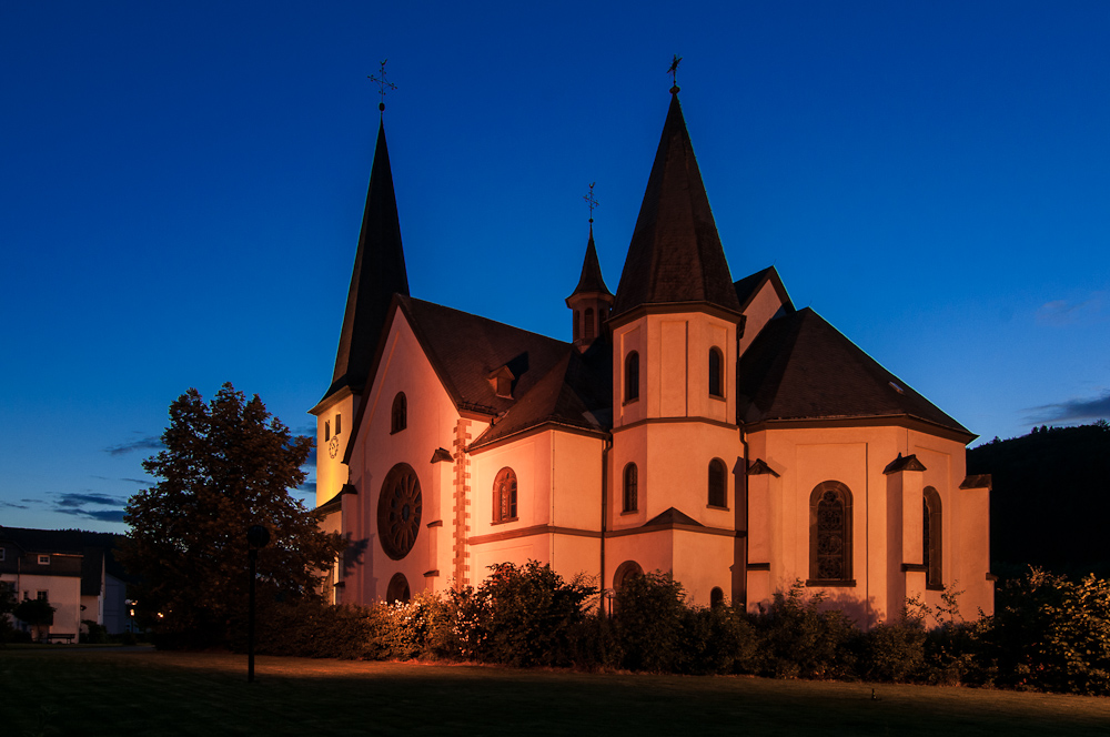 Bigger Kirche zur blauen Stunde
