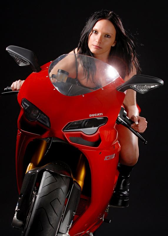 Bike & Babe 1