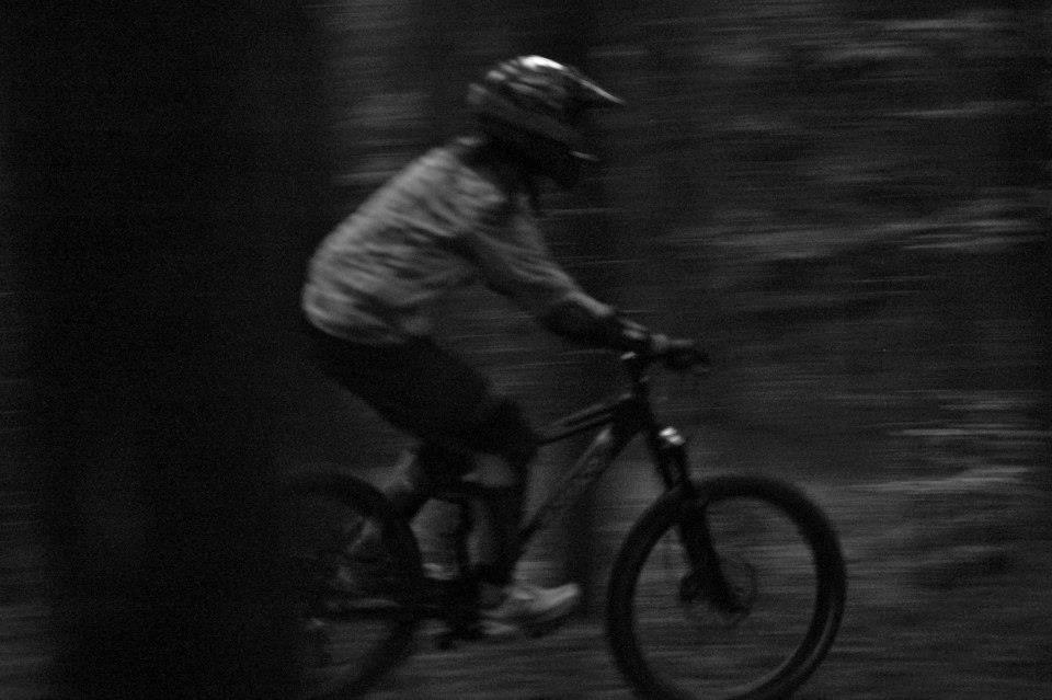 Biken im Zwielicht