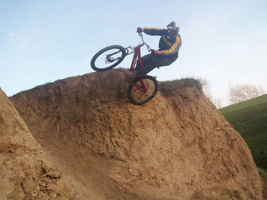 Biker 753 beim wallride in WIen