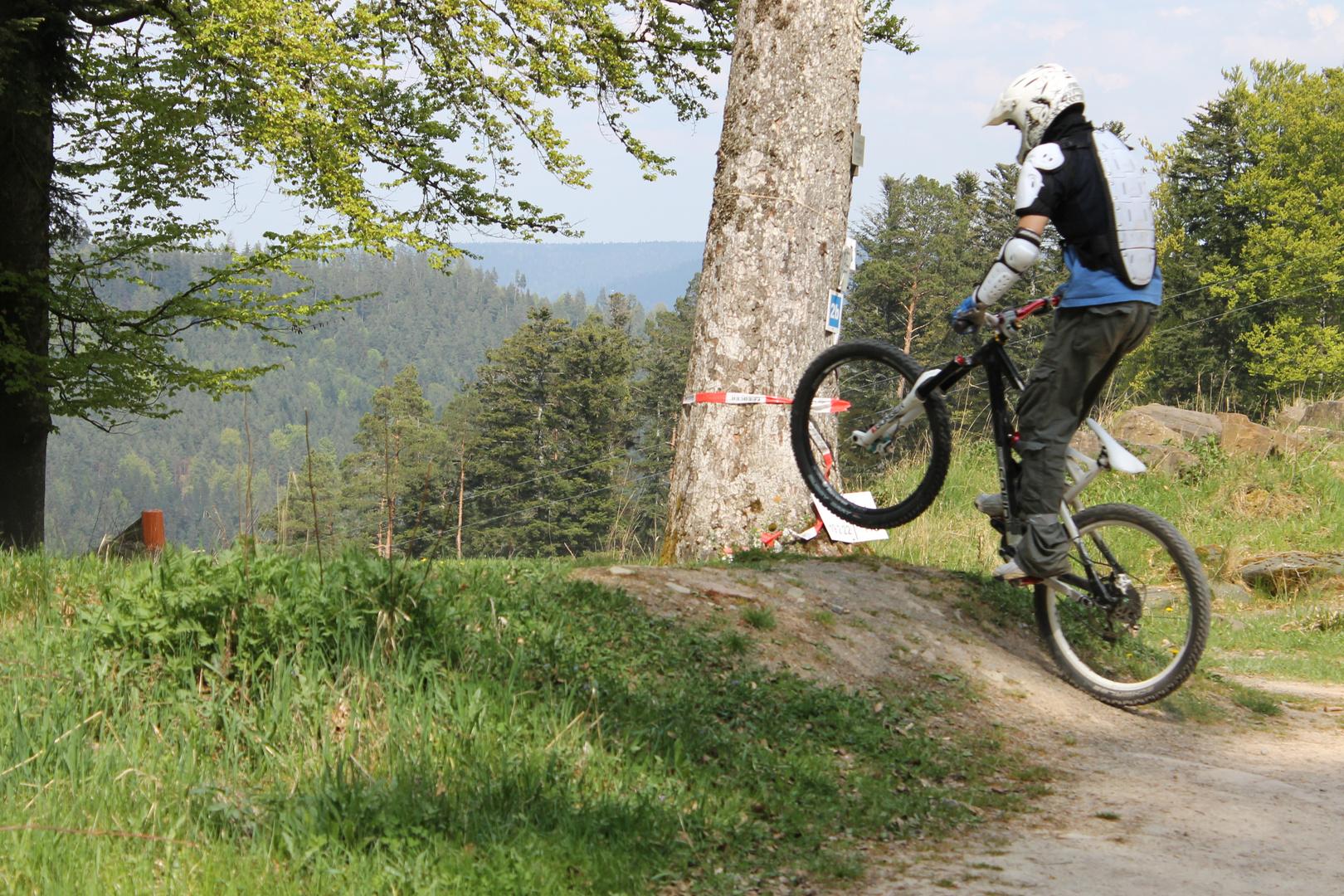 Biker im Schwarzwald