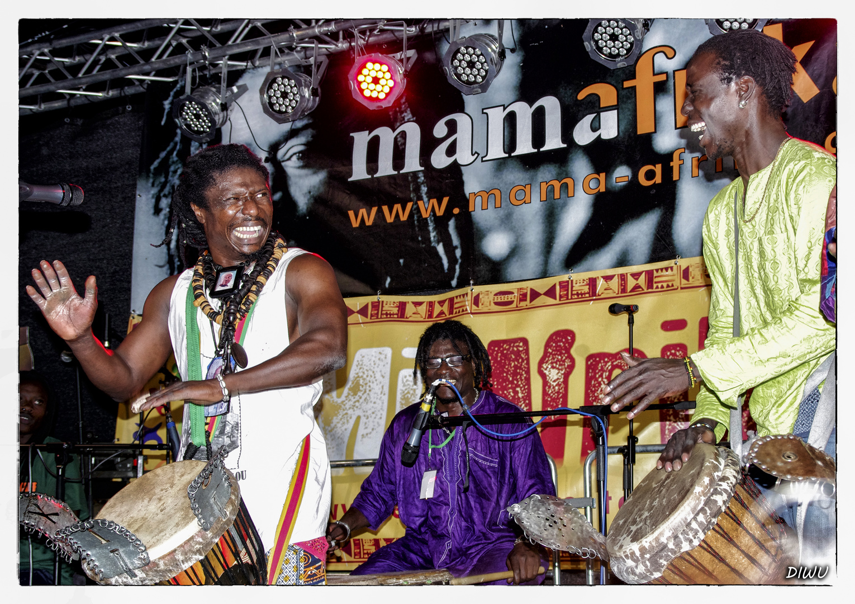 Bild 4 - Gruppe Mama Afrika