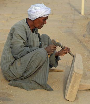Bildhauer im Karnak Tempel