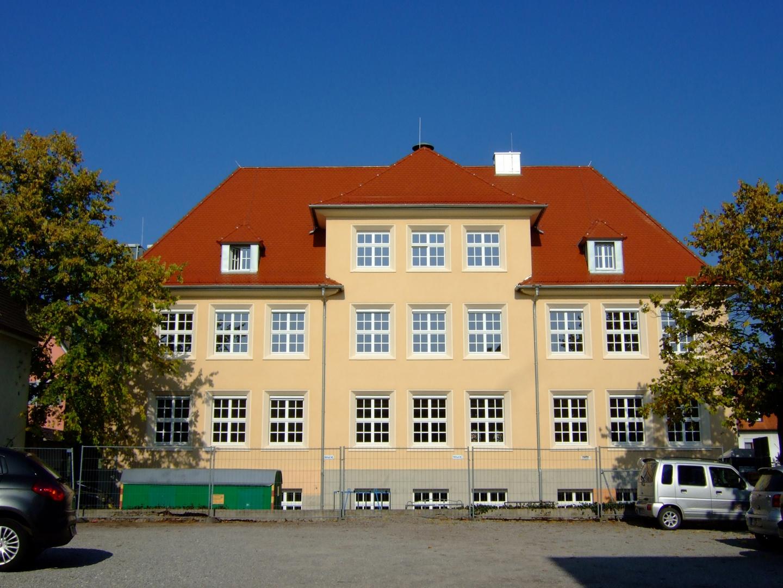 """Bildungshaus """"Bonifacius Amerbach"""" in Neuenburg am Rhein (Südseite)"""