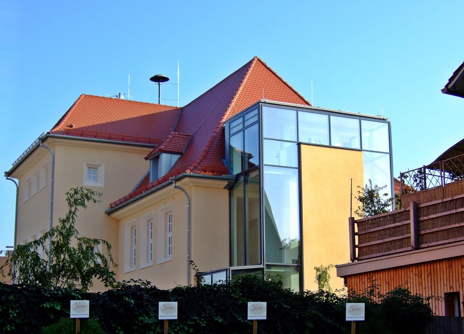 """Bildungshaus """"Bonifacius Amerbach"""" in Neuenburg am Rhein (Westseite)"""