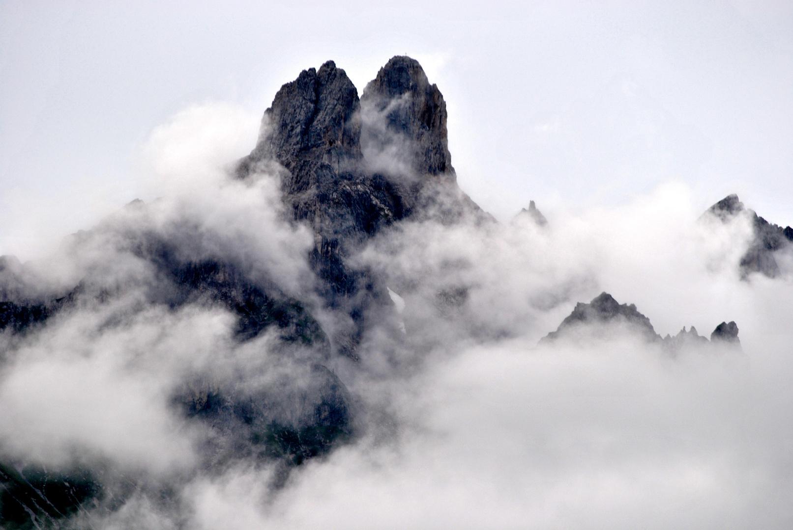 Bischofsmütze im Nebel