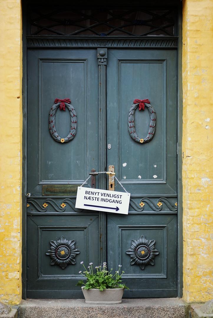 Bitte nächste Tür
