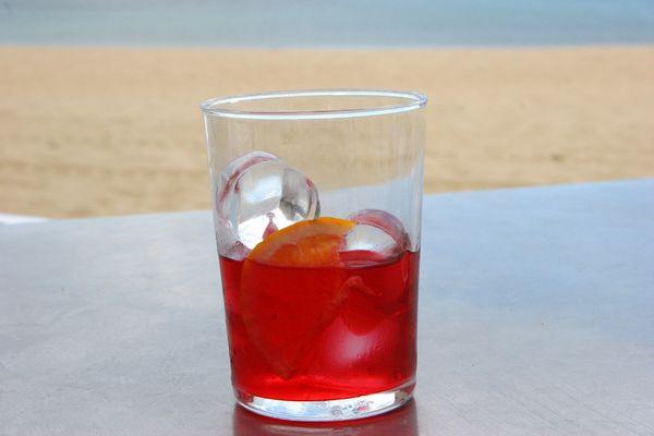 bitter rosso - limo mit krasser farbe