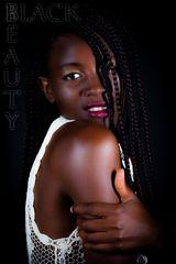 Black Beauty - Protraitfoto aus dem Studio der Foto und Ateliergemeinschaft Hannover