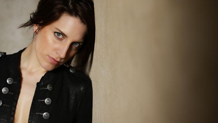 ..::black jacket - one::..