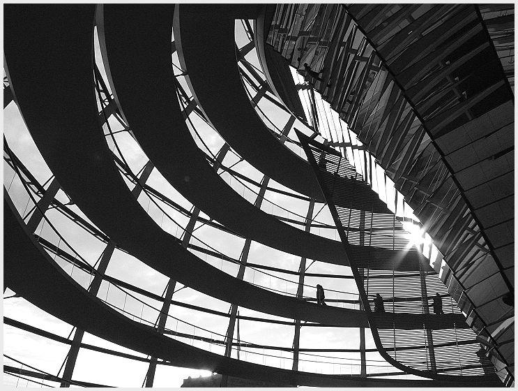 Black & White --- Reichstagskuppel