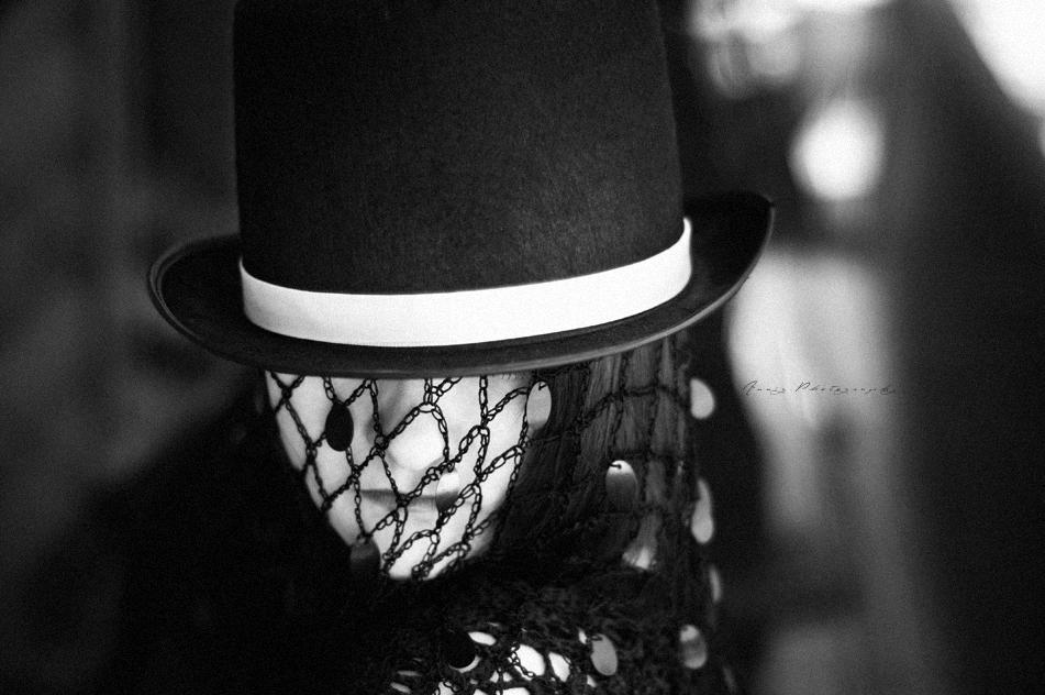 Black & white world. VI