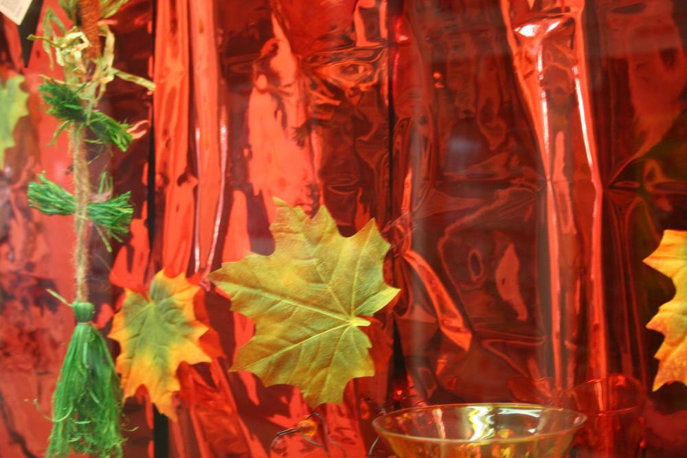 Blätter in gold