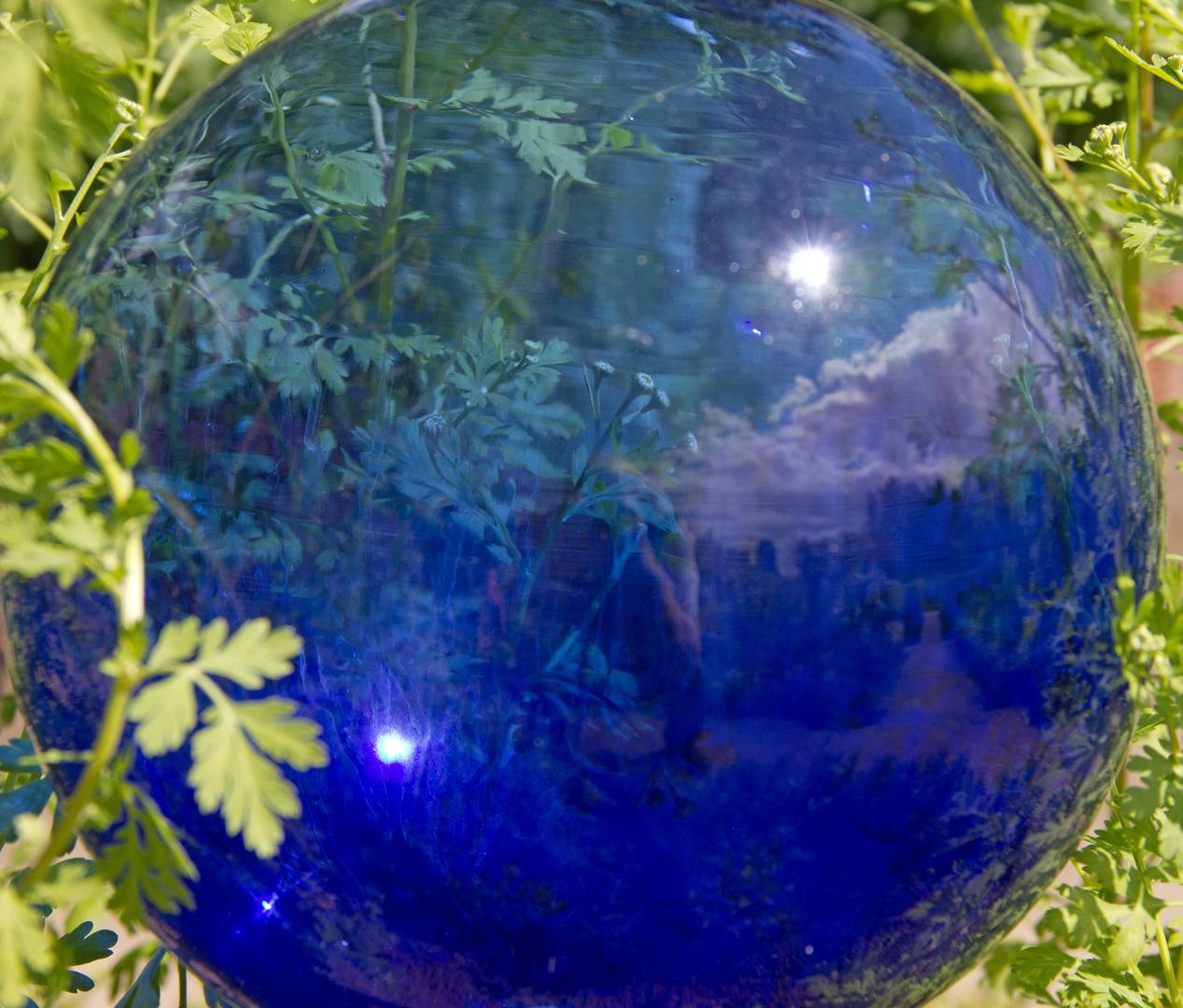 Blau im Grünen