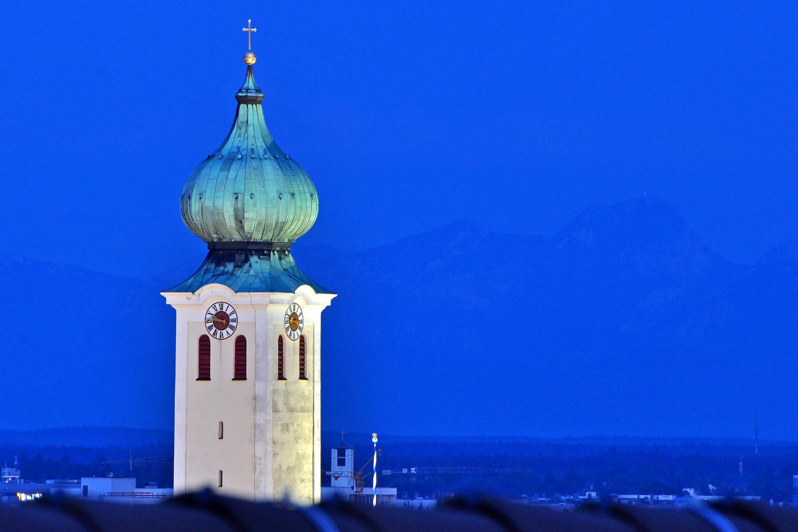 Blau über den Dächern Münchens