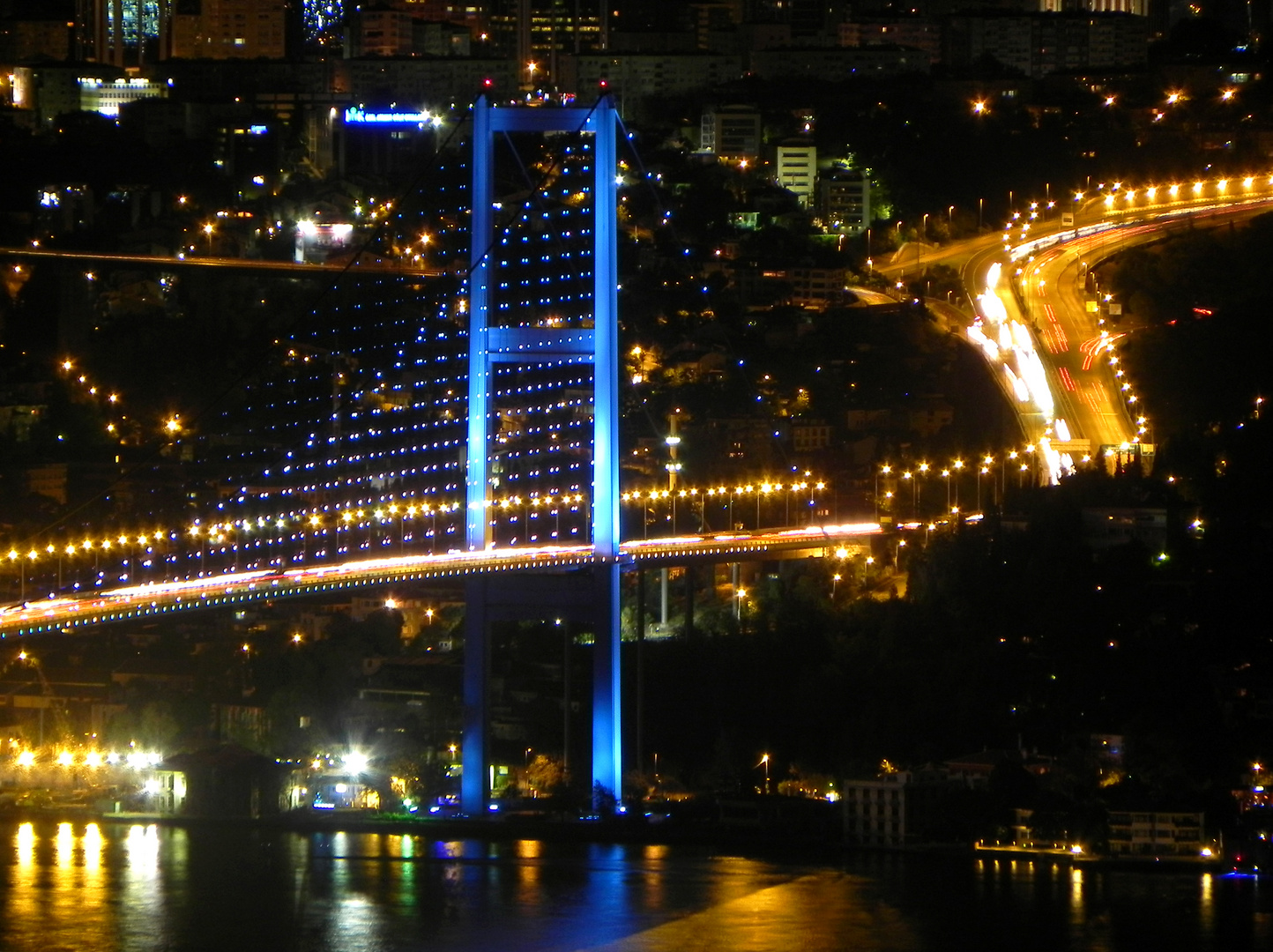 Blaue Bosporusbrücke
