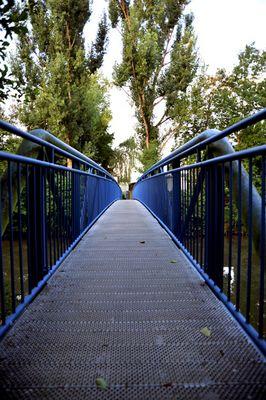 Blaue Brücke über die Rems
